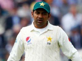 Pakistan wins toss, decides to bat first against England