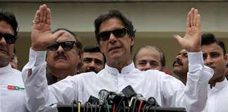 National, int'l players felicitate Imran Khan on victory