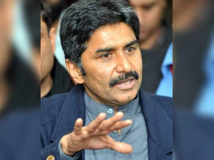 Javed Miandad breaks out in tears over horse-trading of candidates