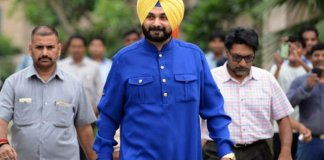 Sidhu reaches Pakistan to attend Imran's oath taking ceremony