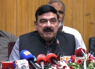 Sheikh Rasheed not in favour of Article 6 against Fazlur Rehman