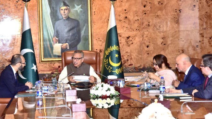 Chairman NADRA briefs President about future plans of institution