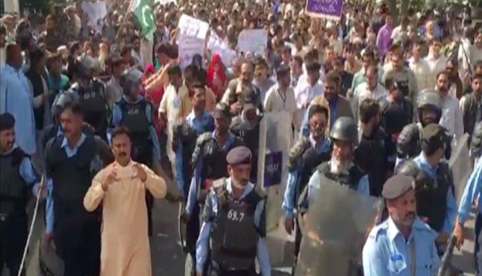 Score of Utility Stores workers protest against probable closure