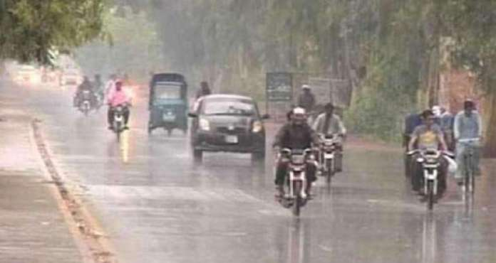 Rain, snowfall turn weather cold in most parts of Pakistan