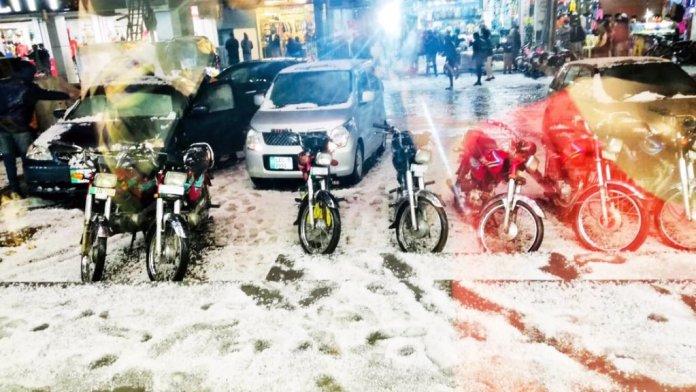 Rain, heavy hailstorm with cool breeze lash Lahore
