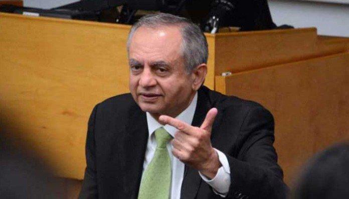 Pakistan's economy heading towards improvement: Abdul Razak Dawood