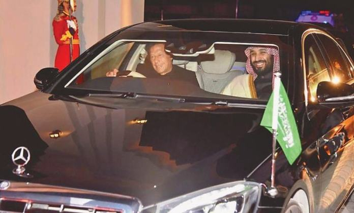 PM Imran drives Saudi crown prince back to Nur Khan airbase