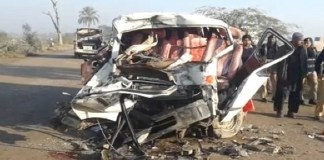 Truck, van collision leaves 11 people dead in Mastung