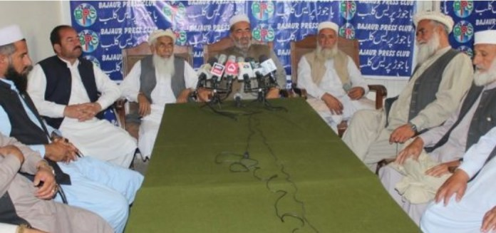 Bajaur elders, traders demand ban on entry of PTM leaders