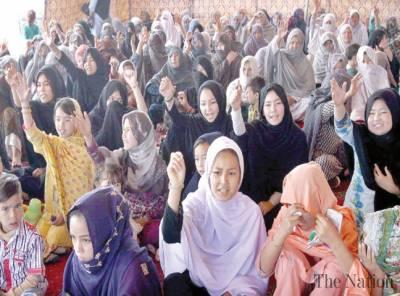 Hazara community ends sit-in after talks with Shehryar, Jam Kamal