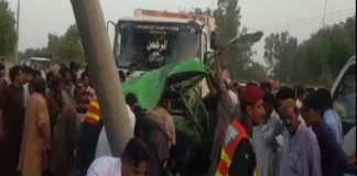 Eight killed in bus-truck collision in Bhakkar