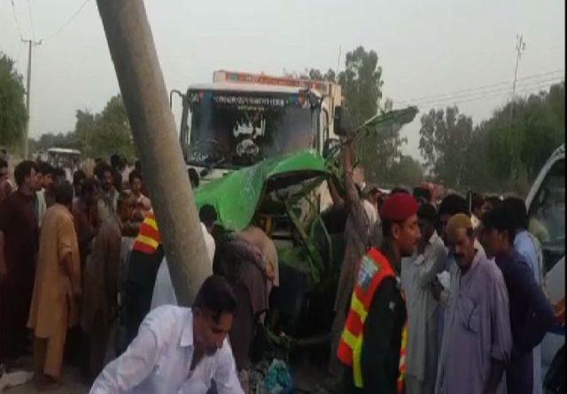 Eight killed in bus-truck collision in Bhakkar