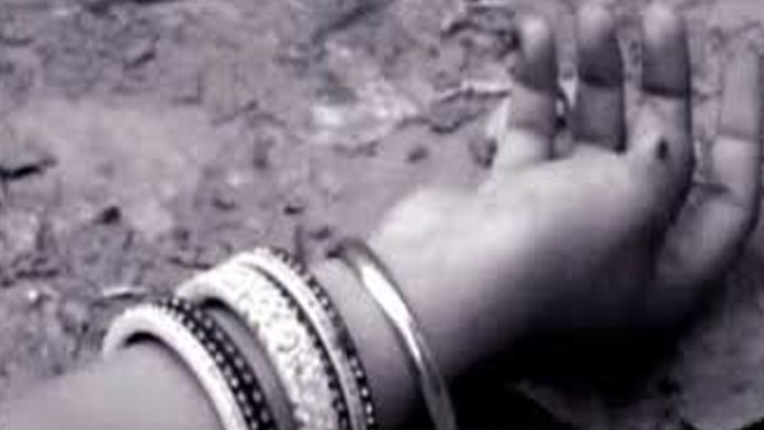 Man allegedly kills daughter, her fiance over honour in Nowshera