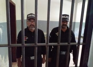Two policemen arrested on charges of 'harassment and extortion' in Karachi