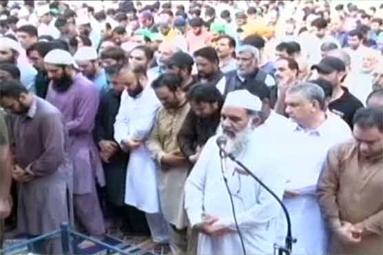 Funeral prayers for former cricketer Abdul Qadir offered in Lahore