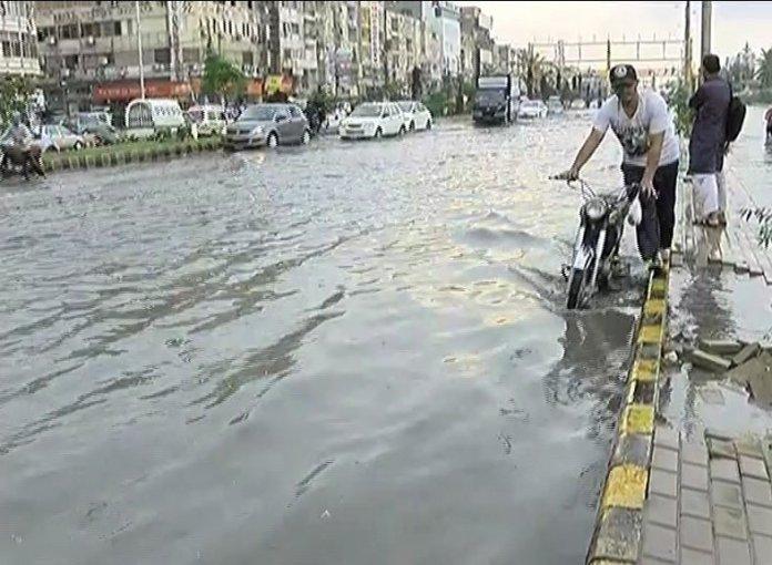 Four killed as heavy rain wreaks havoc in Karachi