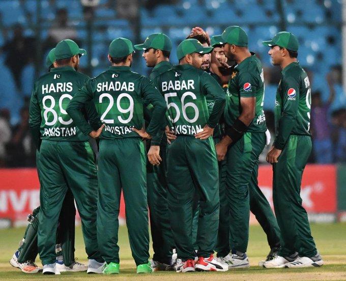 Pakistan beat Sri Lanka by 67 runs in second ODI in Karachi