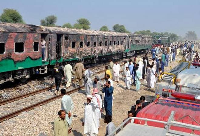 Death toll mounts to 73 in Tezgam Express incident near Rahim Yar Khan