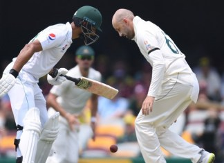 Pakistan batting collapses after solid start in first Australia Test