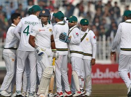 Play resumes after rain-enforced early lunch in Pakistan-Sri Lanka Test
