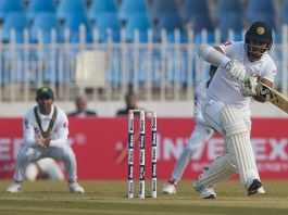 Pakistan grab wickets as Test cricket returns after attack