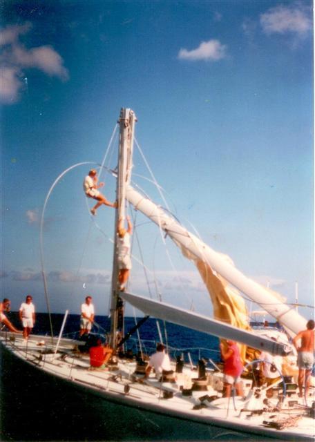 Kialoa V Broken Mast in Hawaii