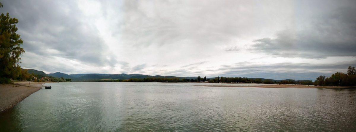 A Dunakanyar a zebegényi hajóállomásról