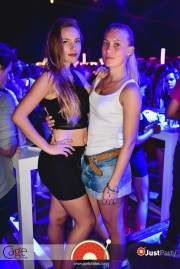 Cage Club - White Swan - 023