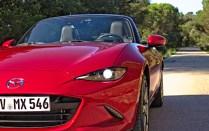 2015 Mazda MX-5 Miata Eunos ND 2.0 SKYACTIV-G 160 i-ELOOP Rubinrot-Metallic Vorderansicht Detail LED-Scheinwerfer Mario von Berg
