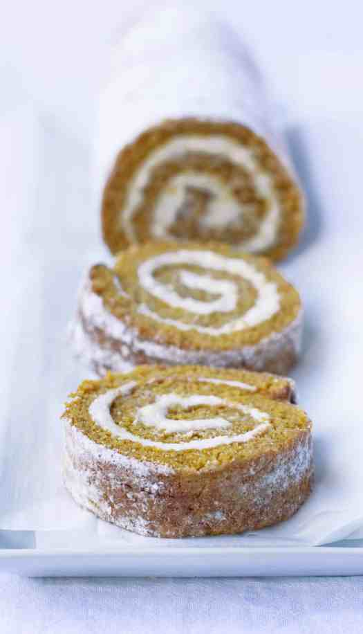 Pumpkin Roll | kickassbaker.com #pumpkinroll #pumpkinrecipes #pumpkin #fallrecipes #fall #autumn #easyrecipes #kickassbaker #creamcheese