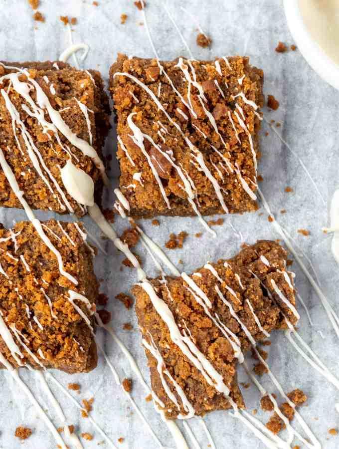 Biscoff Blondies with white chocolate drizzle   kickassbaker.com #biscoff #blondies #brownies #nutfree #recipes #baking #kickassbaker #treats