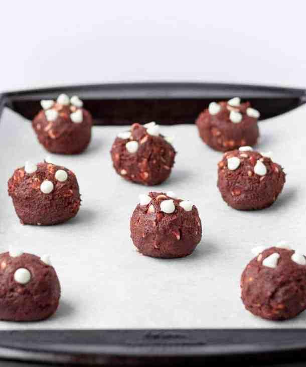 Red Velvet Cookies   kickassbaker.com #redvelvet #cookies #valentinesdayrecipes #vday #love #kickassbaker #cookierecipes #valentines #treat