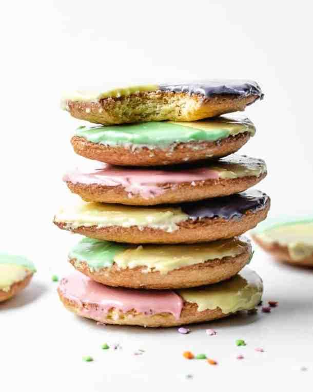 Frosted Easter Cookies | kickassbaker.com #easterdesserts #blackandwhitecookies #frostedcookies #cookies #easter #nutfree
