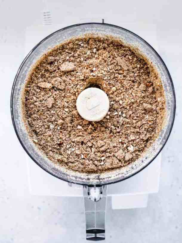 Making pretzel crust in food processor