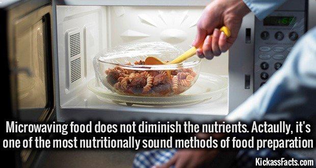1101 Microwaving food