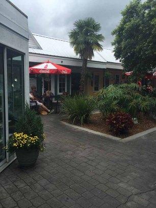 Panini Pete's courtyard