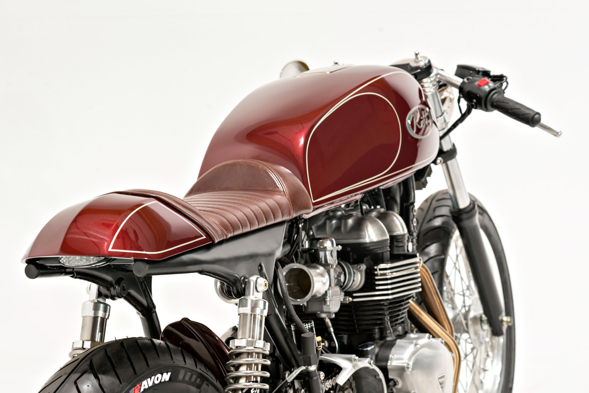hight resolution of dustin wanted to fit a vintage japanese tank to the triumph and settled on a late model yamaha xs1100 unit some may feel that fitting a japanese tank to