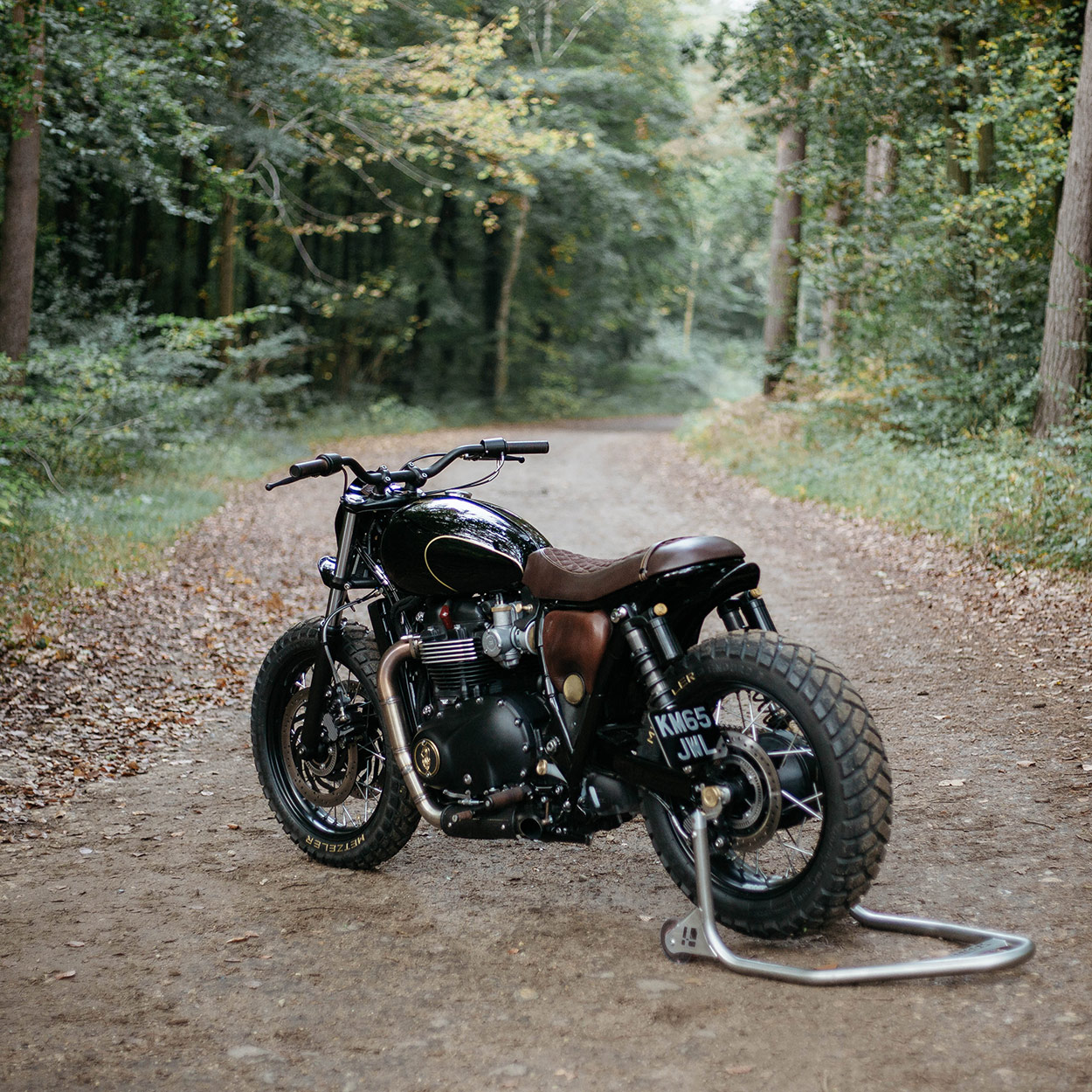 hight resolution of triumph has done a sterling job in creating a production motorcycle with heart but oem decided to push it further they also wanted a slight nod to steve