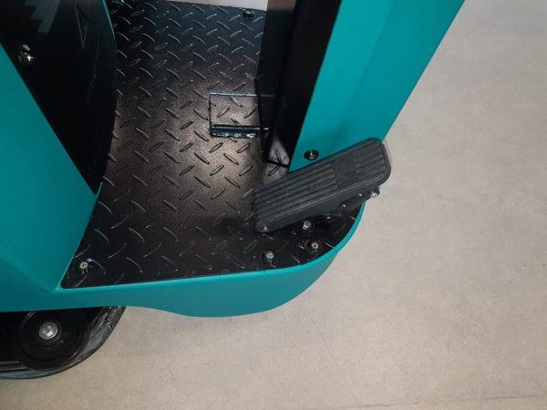 TVX T90 70R Ride On Scrubber Dryer