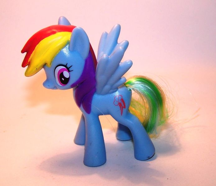 rainbow-dash-my-little-pony-mlp-color-changing-ponies-2016-mcdonalds-happy-meal-toys