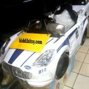 Pliko PK9628N Aston Marten putih-mobil-aki-polisi-depan