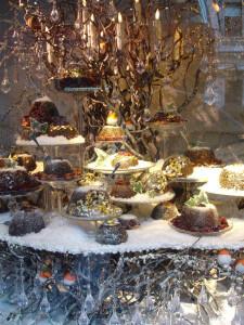Fortnum and Mason, Christmas puddings and robins