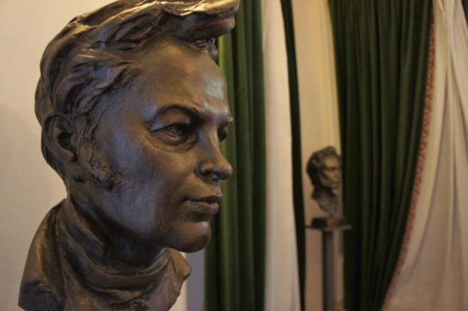 Bust of the writer Lazhechnikov