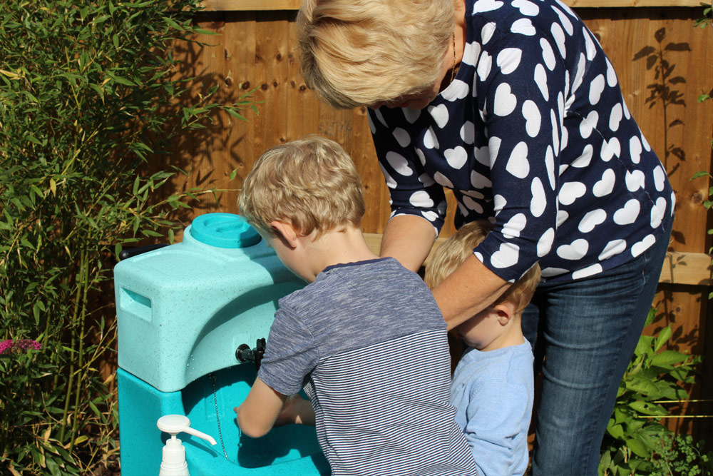 "Handwashing for kids – the ""do-it-yourself"" vaccine"