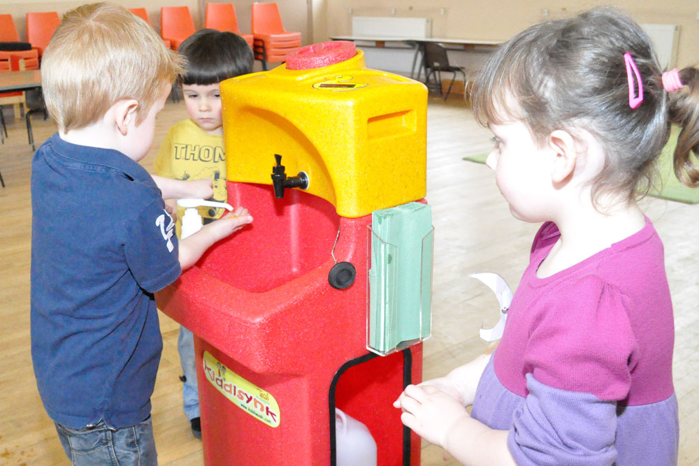 "Encourage hand washing"" advice as school is closed by winter"