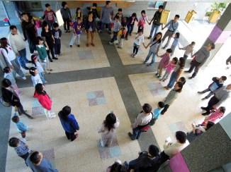 慈心華德福小學以特色活動「晨圈」作為歡迎式,非常新鮮~