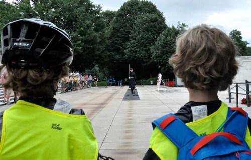 bikecamp_guards3