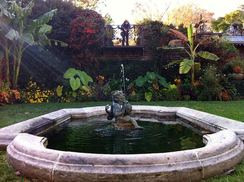 A couple of cherubs at Dumbarton Oaks