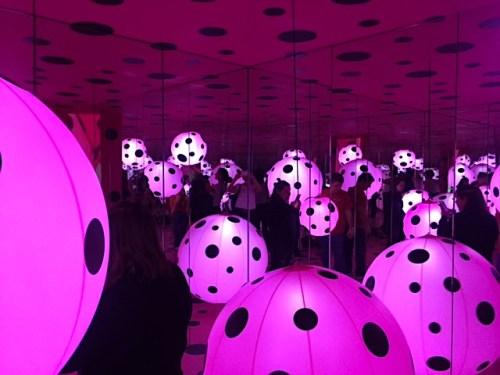 yayoi_pink_globes