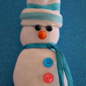 No sew Sock Snowman. A cute craft for winter, and Christmas with the kids! www.kidfriendlythingstodo.com